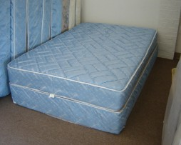 Pre-Owned Mattress Set